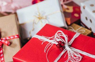 10 новогодних подарков до 1000 рублей
